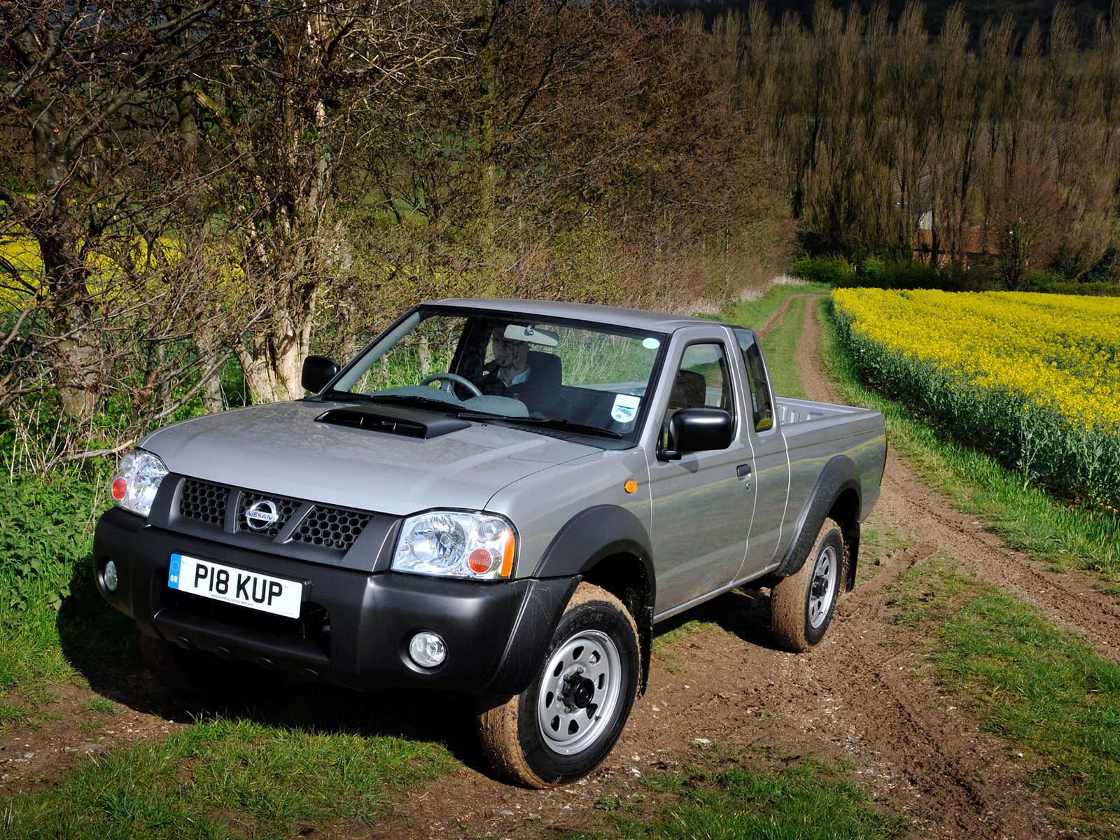 Nissan NP300:picture # 10 , reviews, news, specs, buy car