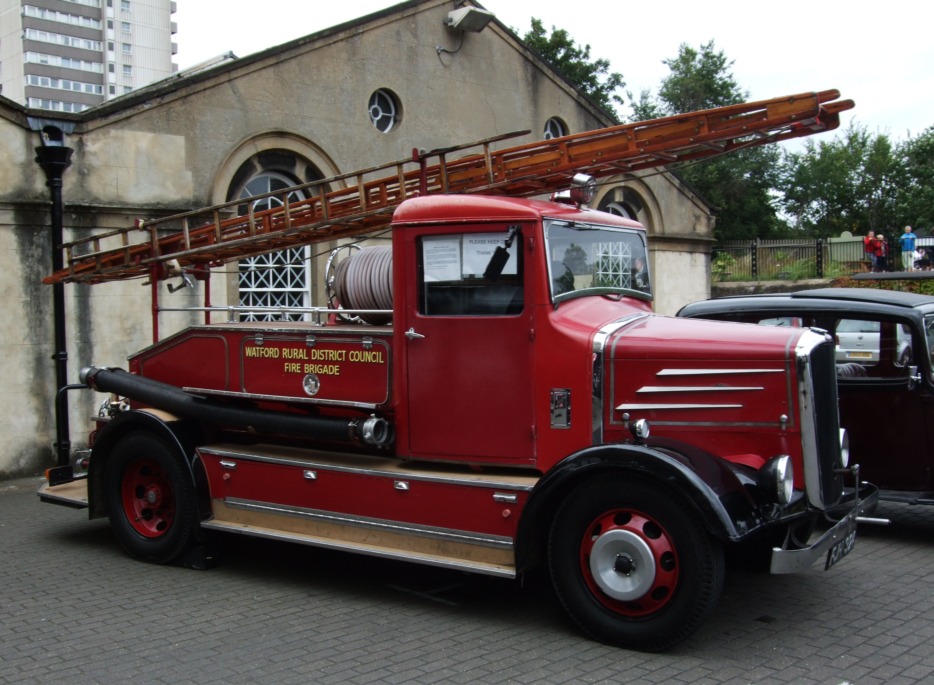 Dennis Fire Engine Picture 10 Reviews News Specs