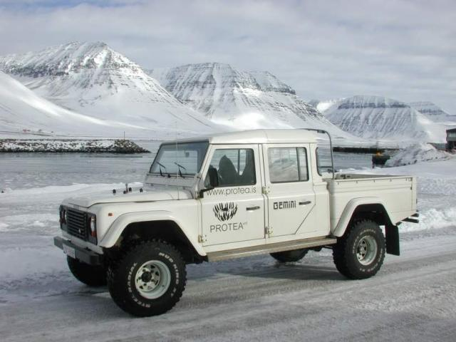 Land Rover Defender 130 pick-up:picture # 7 , reviews, news, specs