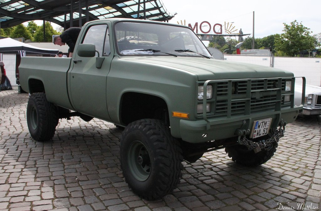 1984 84 Chevrolet Chevy K30 1 one ton 4x4 Four Wheel Drive
