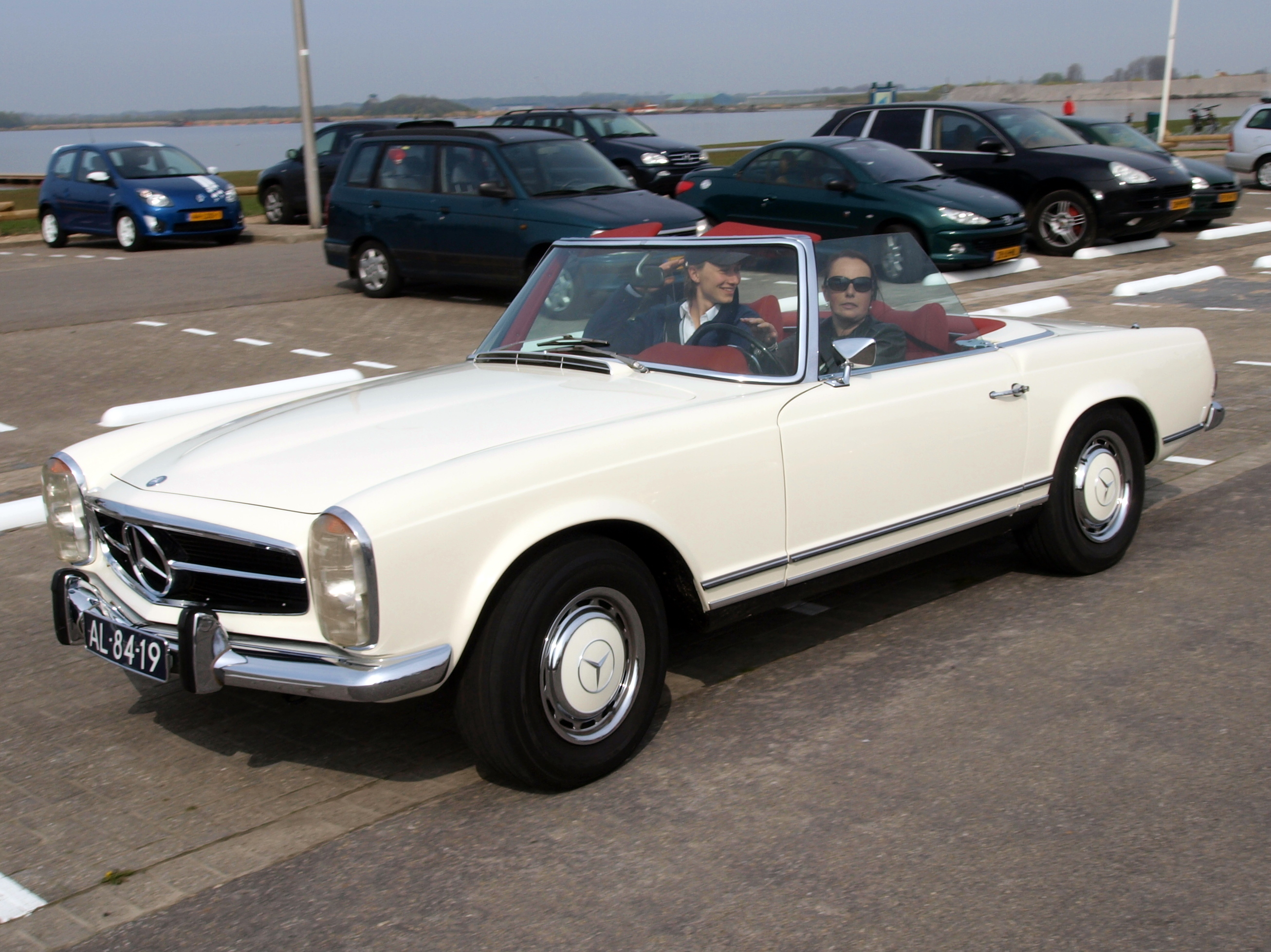 Mercedes Benz 280 Sl Automatic Photos Reviews News