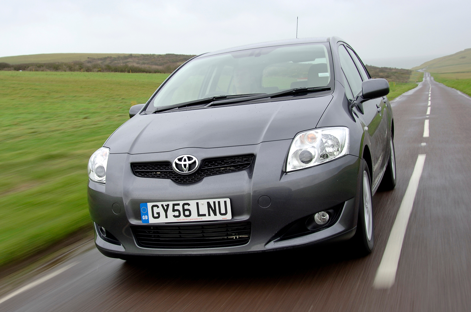toyota auris picture 8 reviews news specs buy car. Black Bedroom Furniture Sets. Home Design Ideas