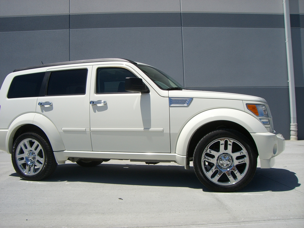 dodge nitro rt photos reviews news specs buy car. Black Bedroom Furniture Sets. Home Design Ideas