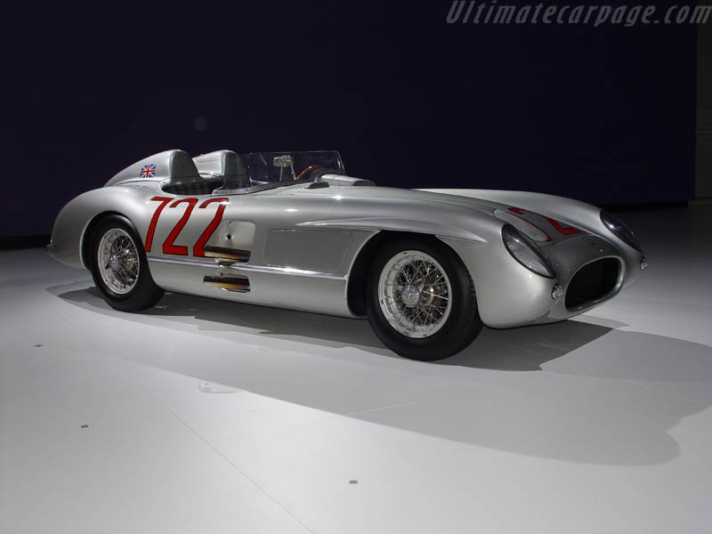 Mercedes benz 300 slr photos reviews news specs buy car for Mercedes benz glowing star