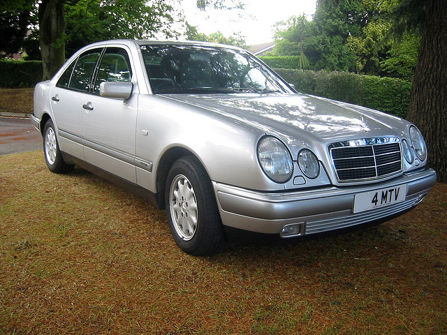 mercedes benz e230 elegance photos reviews news specs