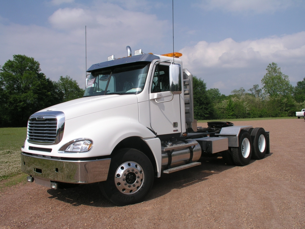 Freightliner Cl120 Columbia Photos Reviews News Specs Buy Car