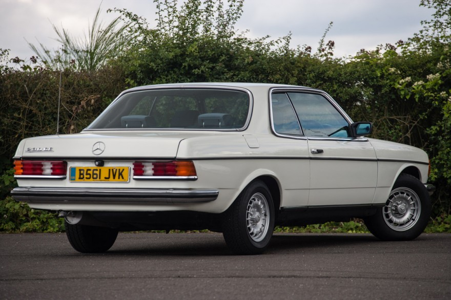 Mercedes benz 230ce picture 14 reviews news specs for Who buys mercedes benz