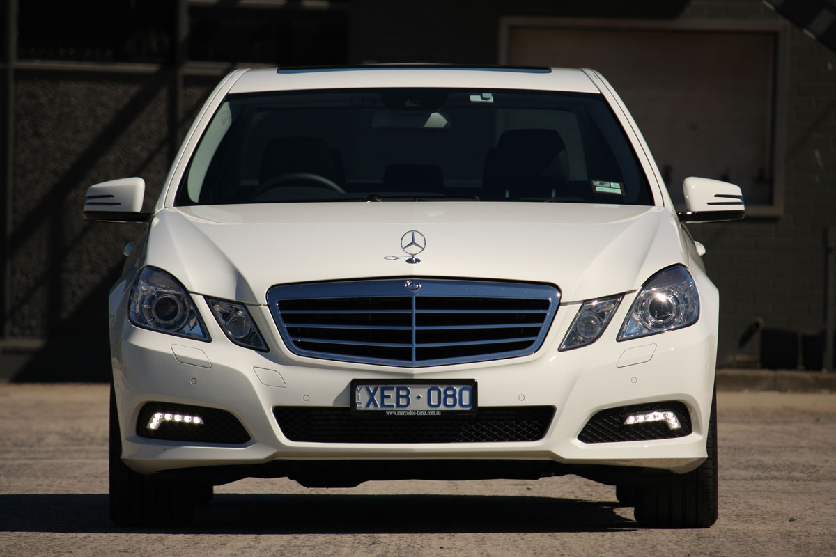 mercedes benz e220 cdi photos reviews news specs buy car. Black Bedroom Furniture Sets. Home Design Ideas
