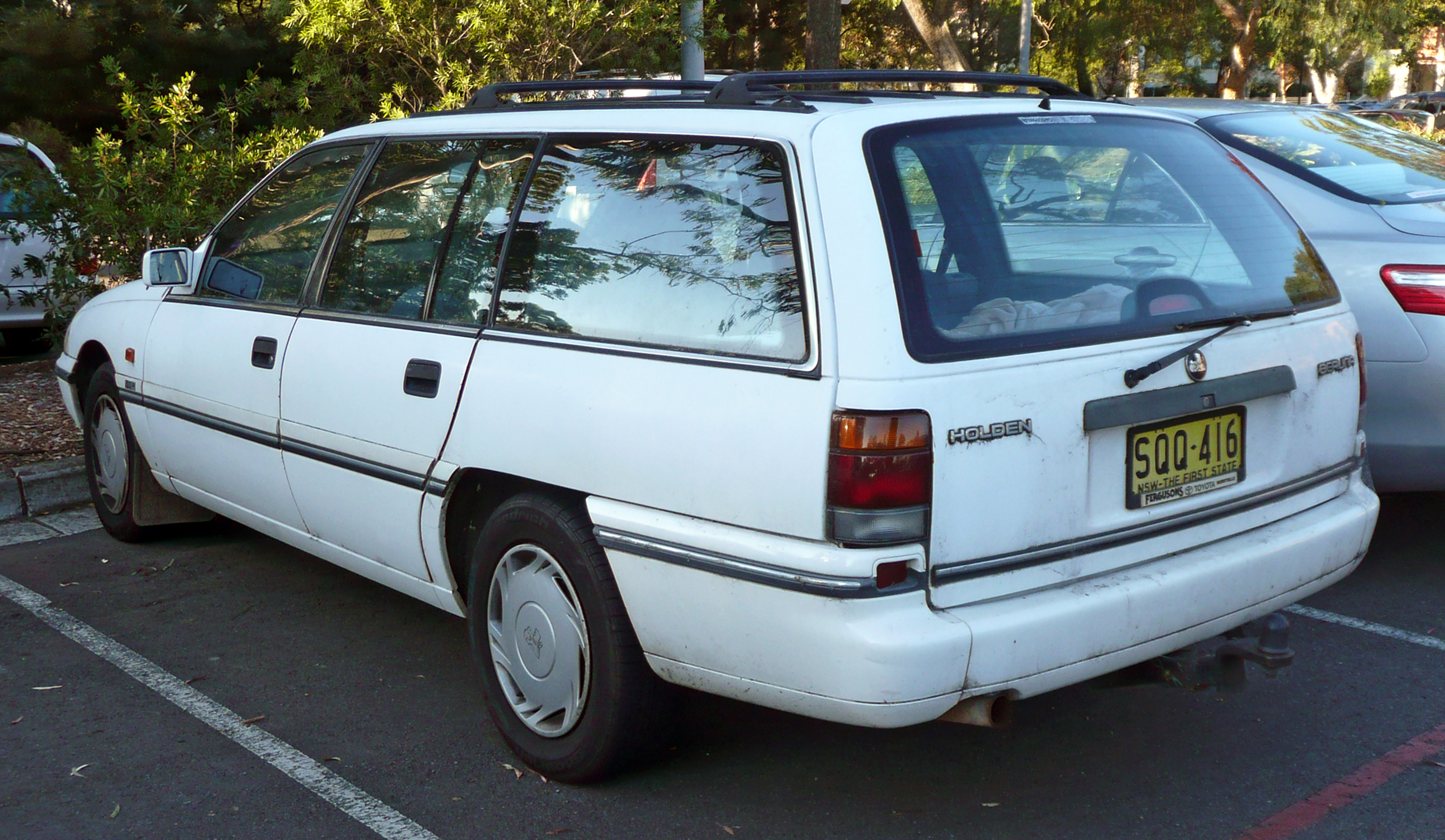 Holden Commodore Berlina Station Wagon Picture 6
