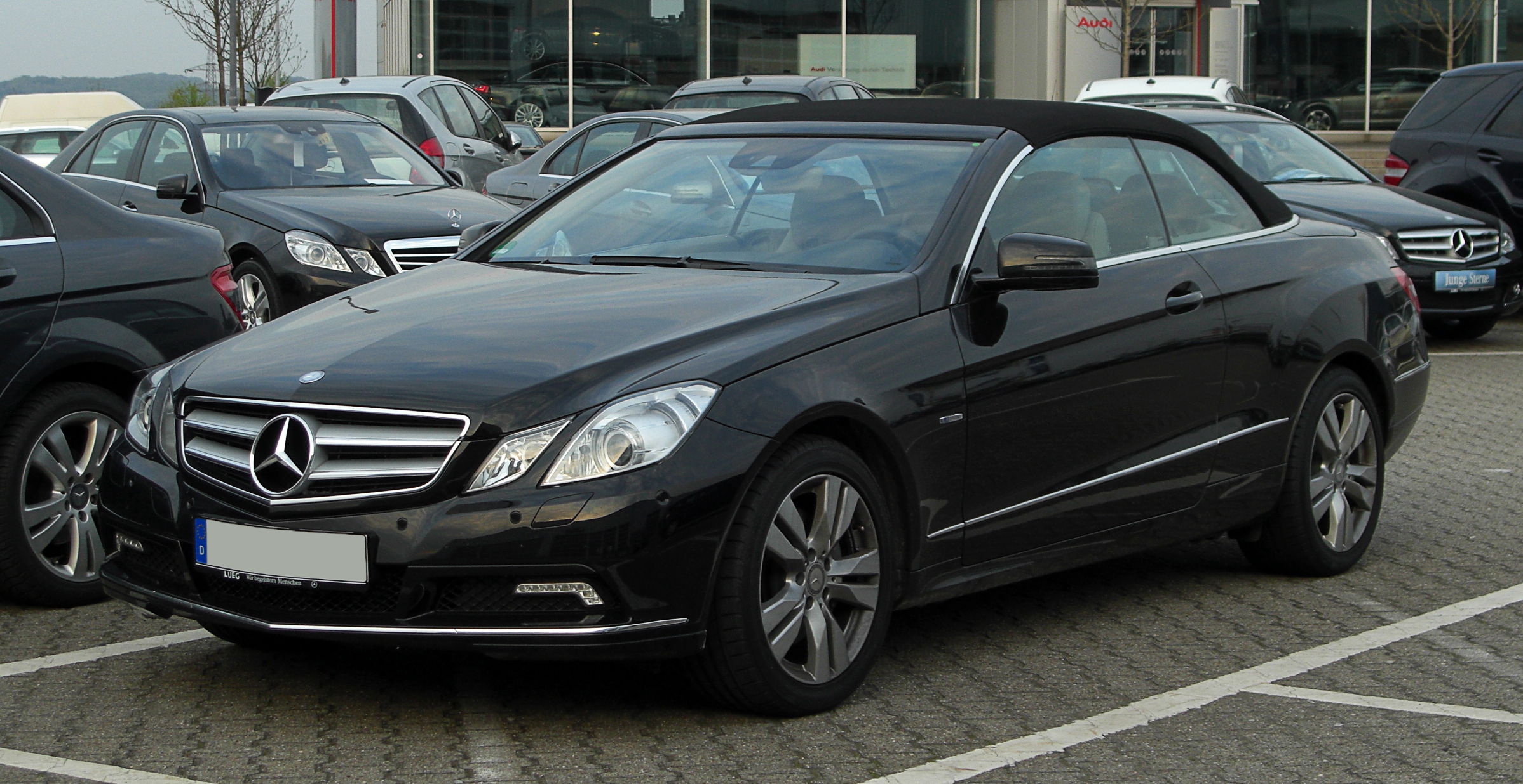 mercedes benz e250 cdi cabriolet photos reviews news specs buy car. Black Bedroom Furniture Sets. Home Design Ideas