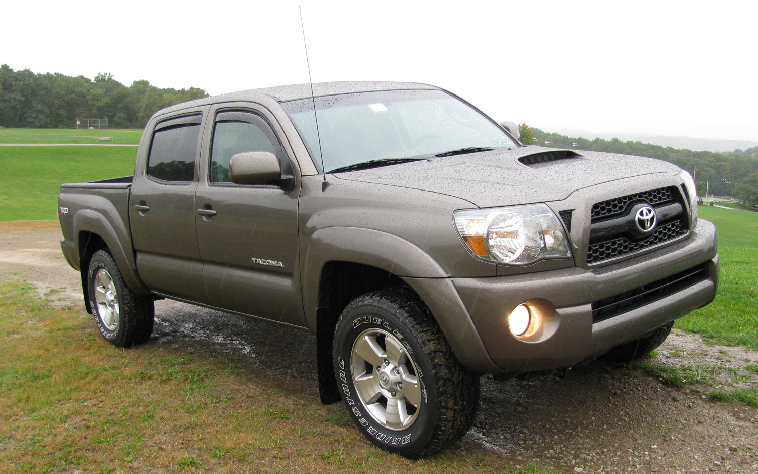toyota tacoma trd photos reviews news specs buy car. Black Bedroom Furniture Sets. Home Design Ideas