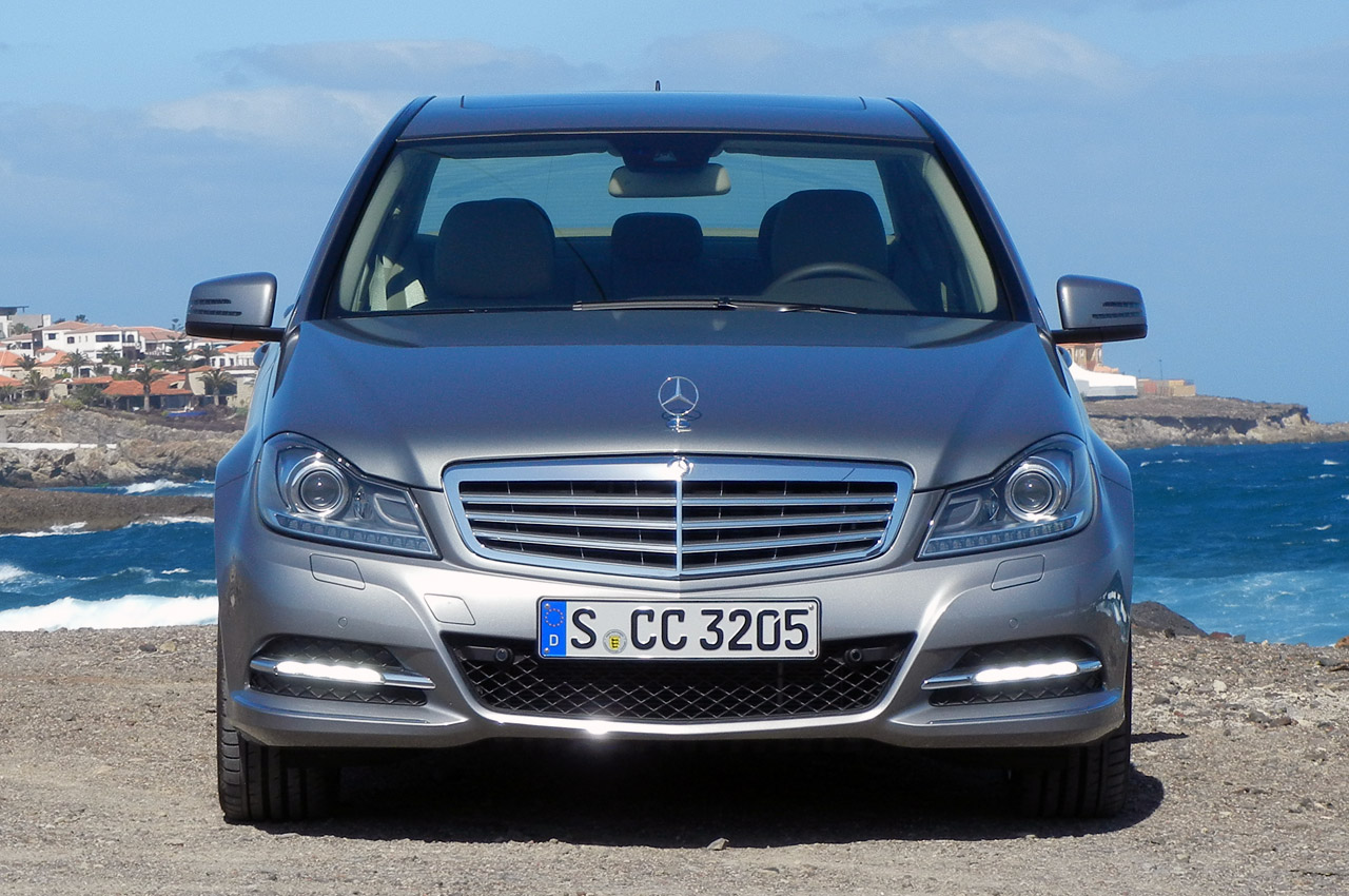 Mercedes benz c class break photos reviews news specs for Mercedes benz c300 horsepower