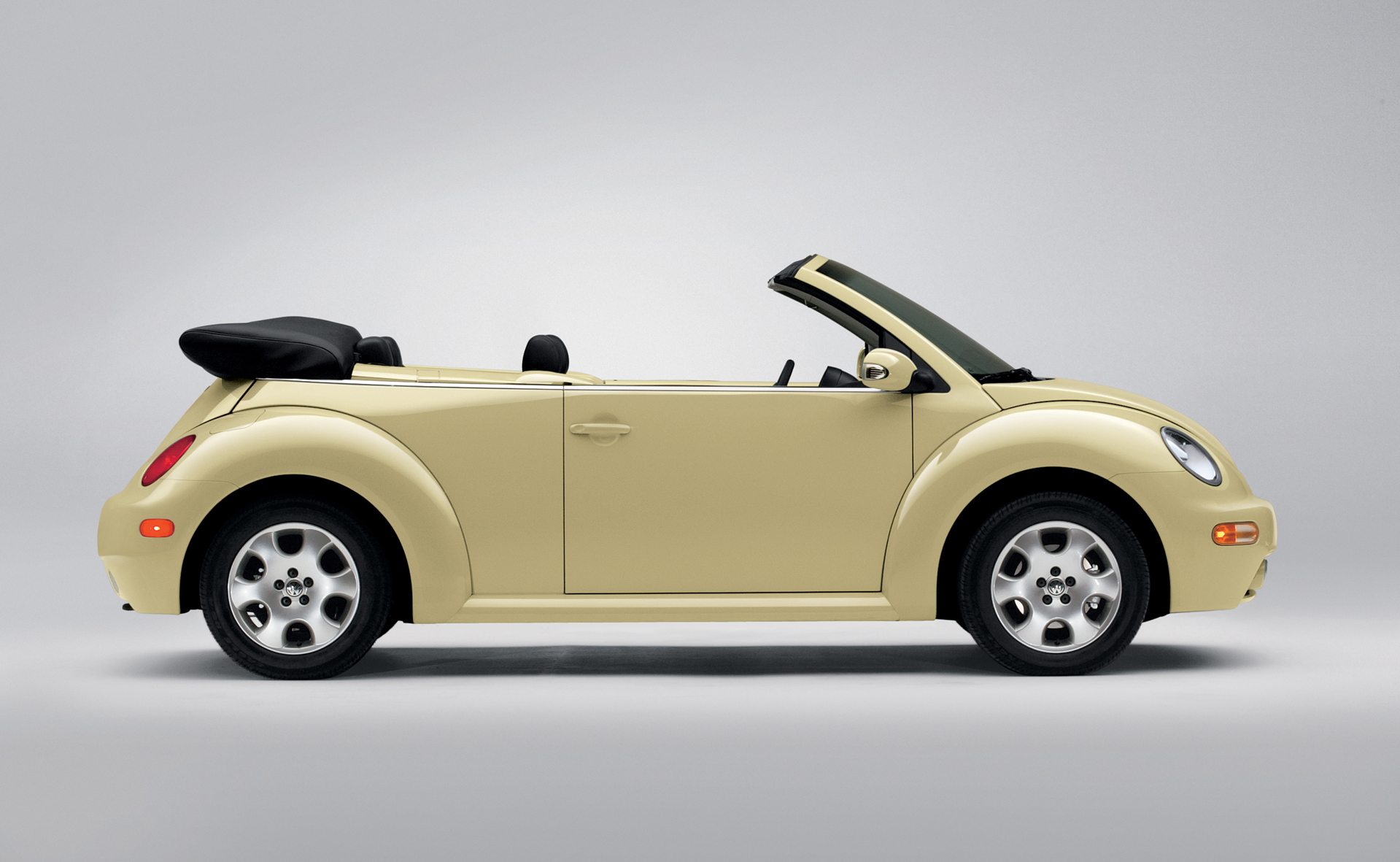 volkswagen new beetle cabriolet photos reviews news specs buy car. Black Bedroom Furniture Sets. Home Design Ideas