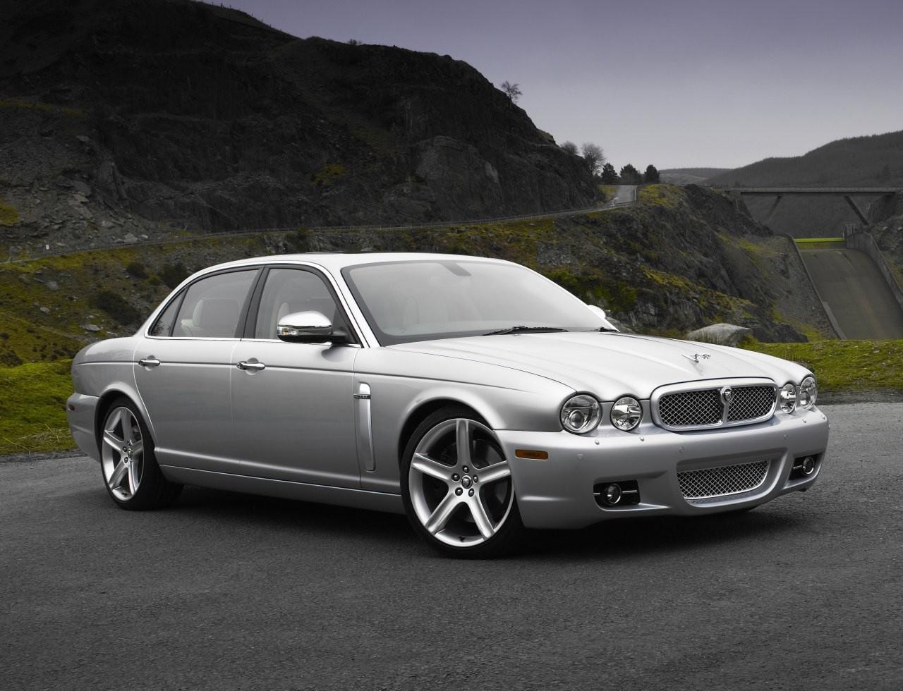 Luxury Vehicle: Jaguar XJ Vanden Plas:picture # 6 , Reviews, News, Specs