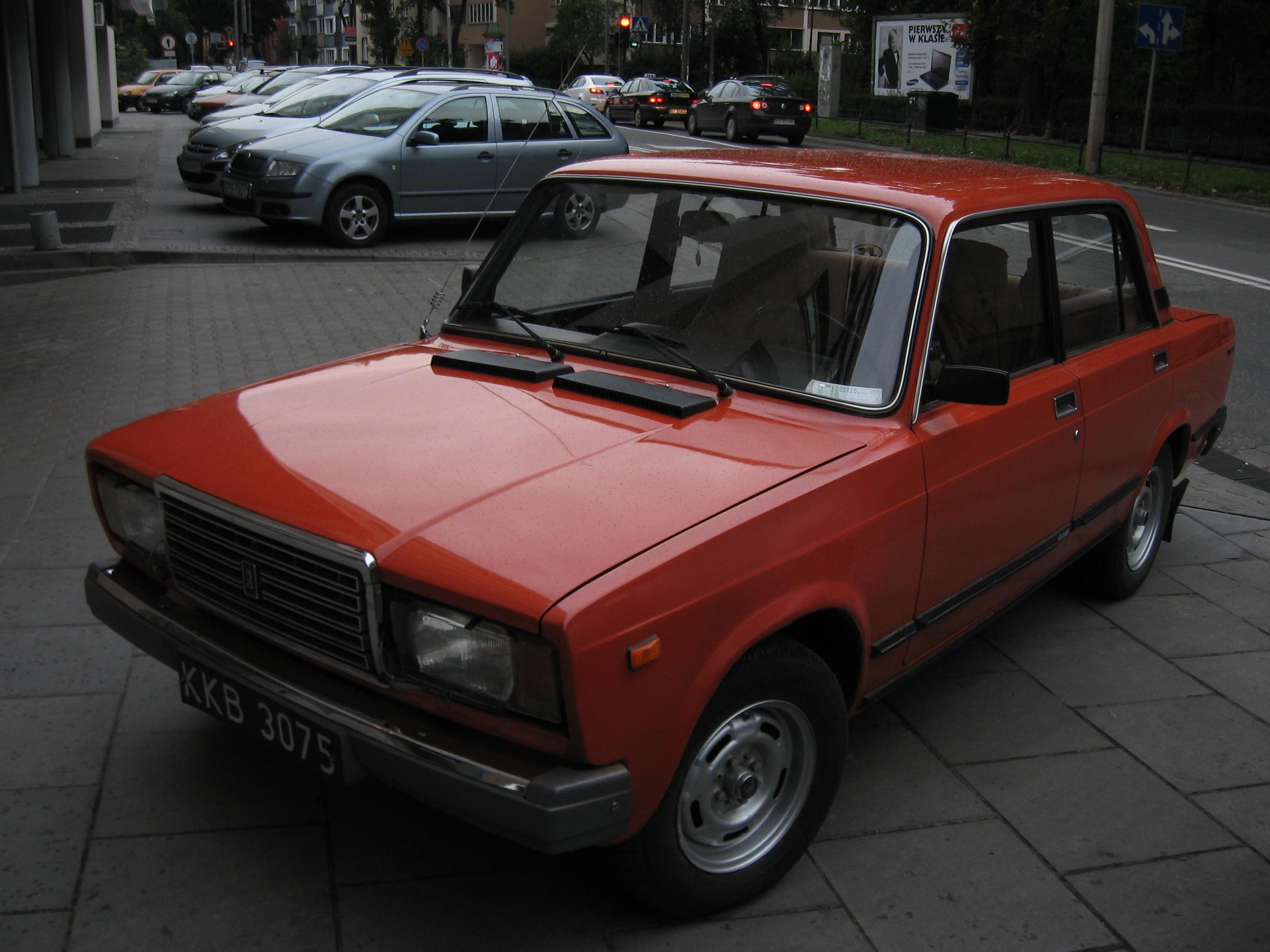 Lada 2107 Picture 12 Reviews News Specs Buy Car