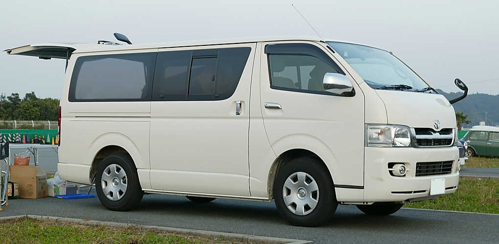 Toyota Hi Ace Van:picture # 8 , reviews, news, specs, buy car