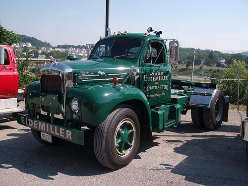 Mack B61: Photos, Reviews, News, Specs, Buy car