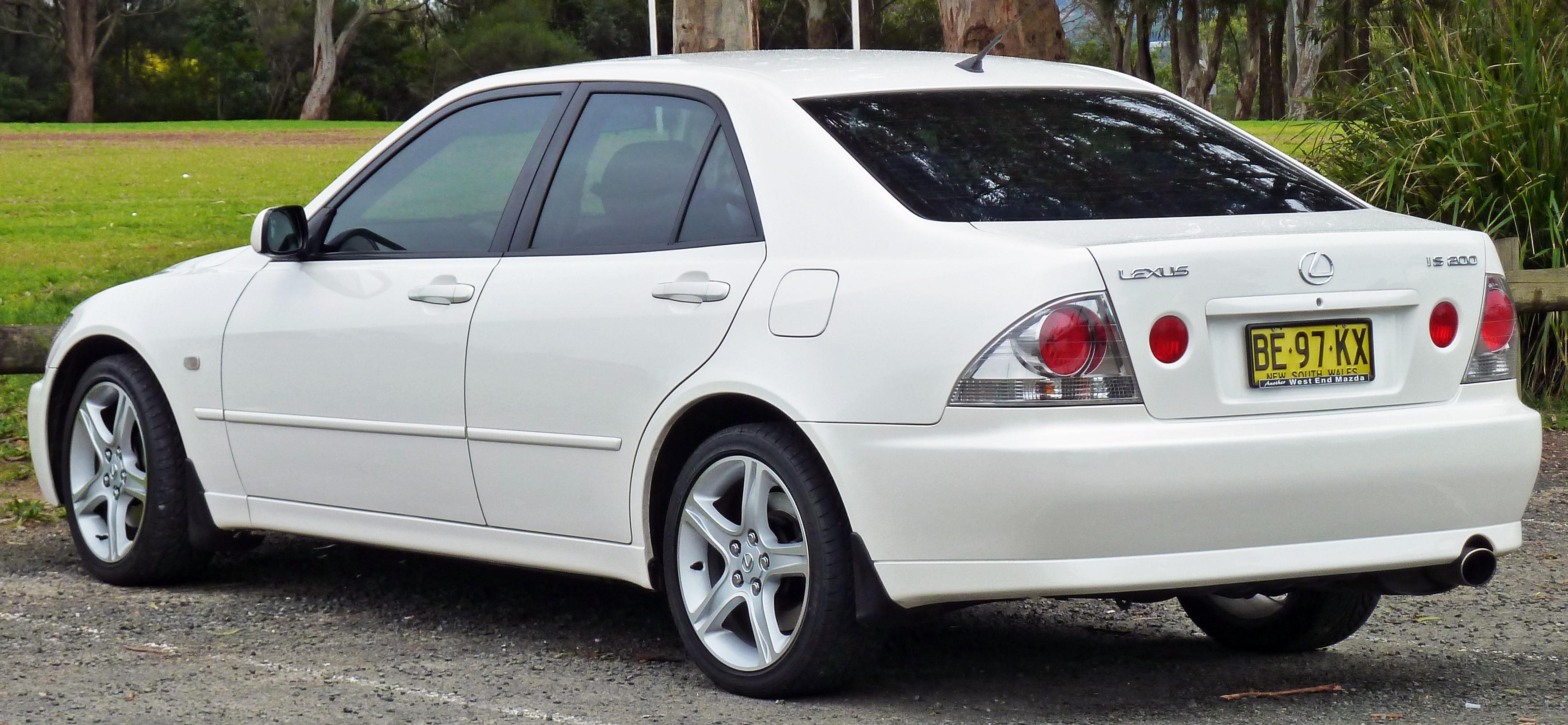 Lexus IS 200:picture # 8 , reviews, news, specs, buy car