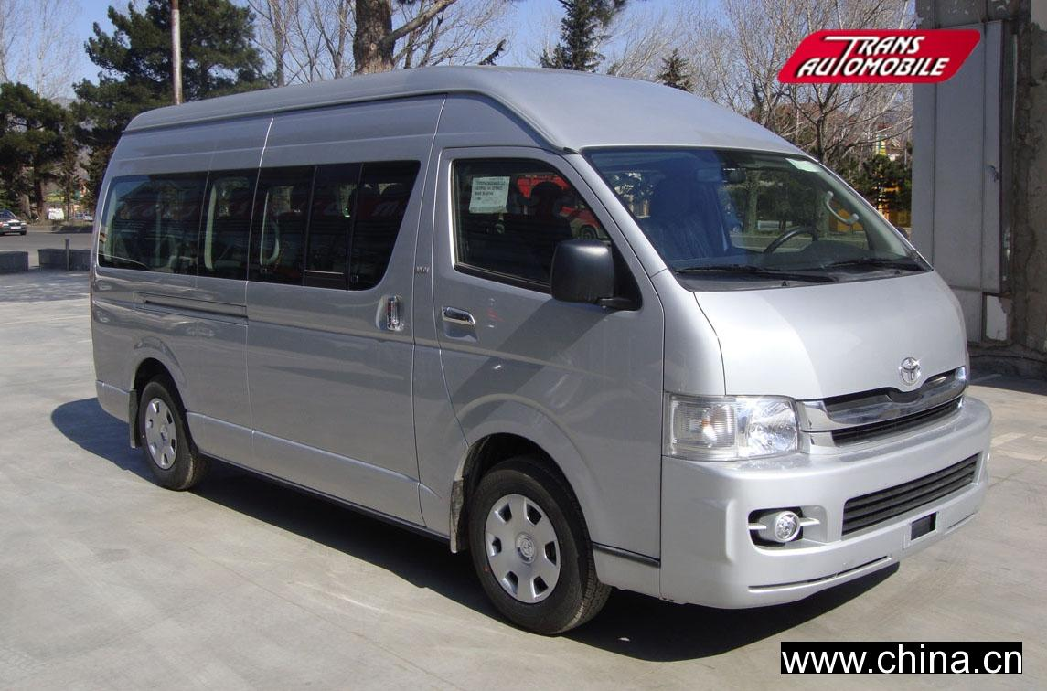 Simple Toyota HiAce LWB Crew Van 2017 Review  Road Test  CarsGuide