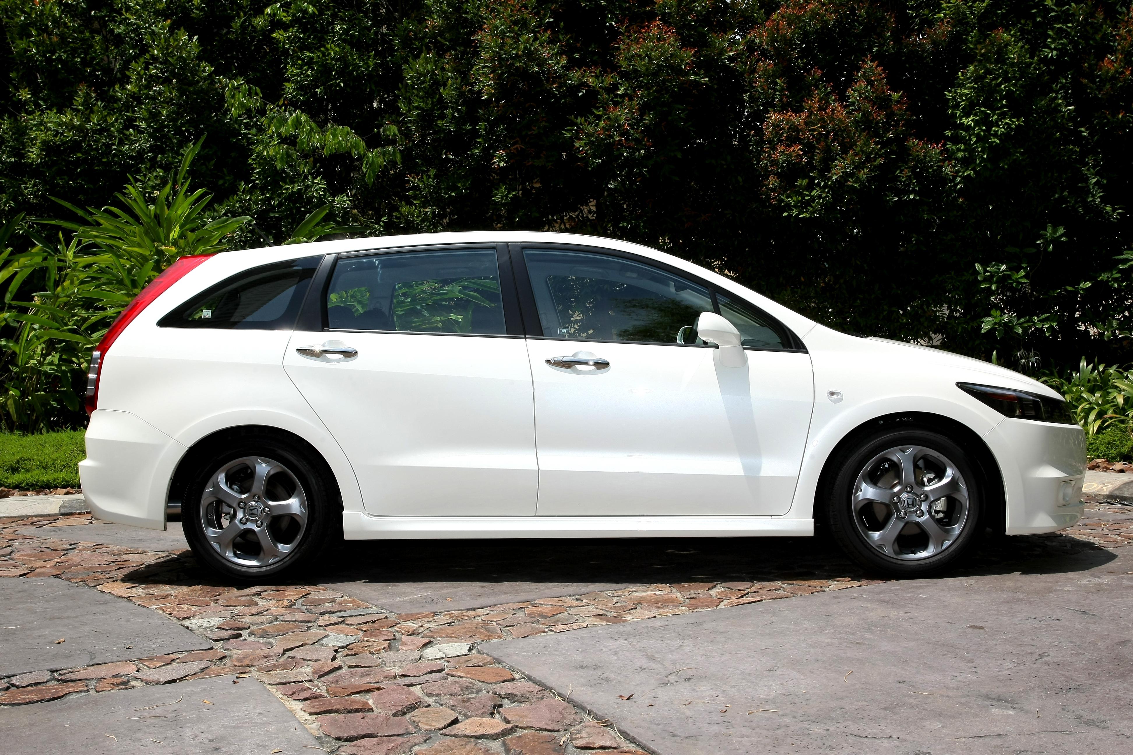 Honda Stream RSZ:picture # 14 , reviews, news, specs, buy car