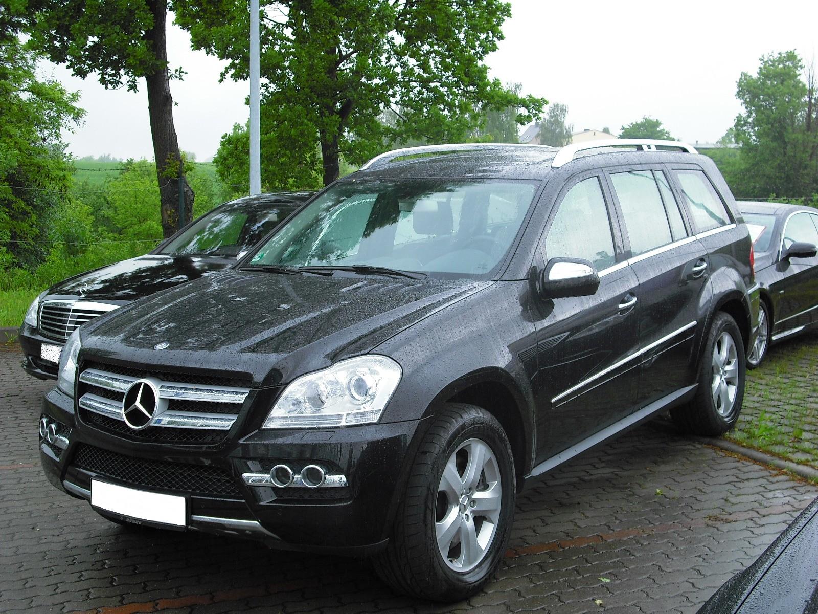 Mercedes benz gl 450 cdi photos reviews news specs for Mercedes benz gls 450 review