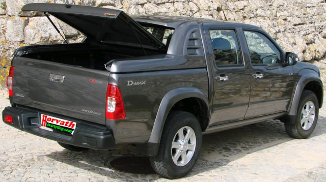 isuzu d max rodeo picture 10 reviews news specs buy car. Black Bedroom Furniture Sets. Home Design Ideas