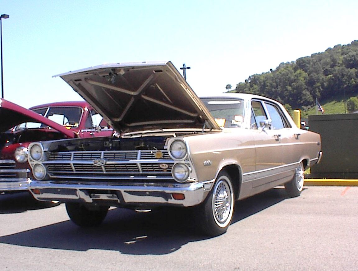Ford Fairlane 500 4dr sedan