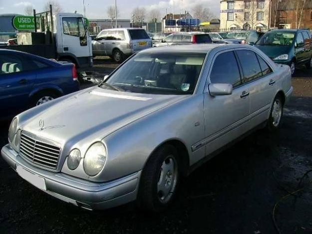 Mercedes benz e 300 diesel photos reviews news specs for Mercedes benz 300 diesel
