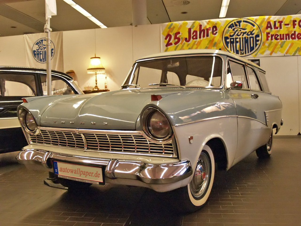 Ford 17 M De Luxe