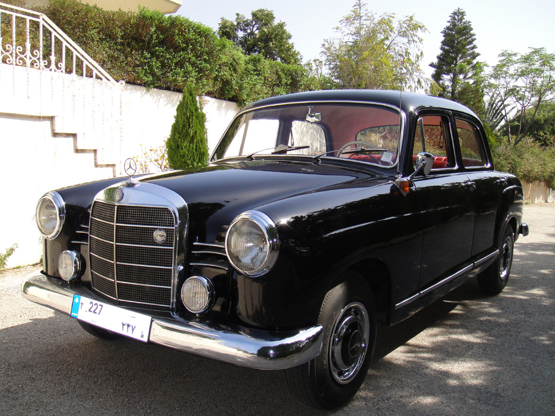 mercedes benz 180b photos reviews news specs buy car. Black Bedroom Furniture Sets. Home Design Ideas