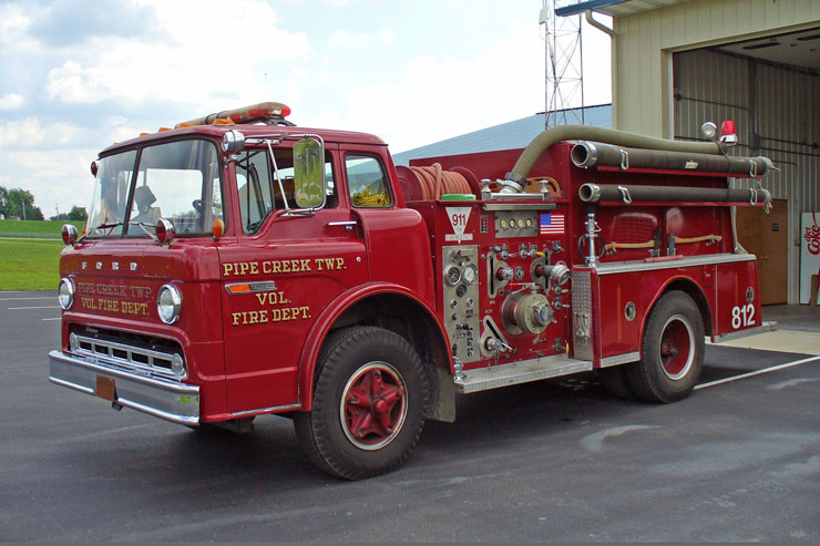 Ford F-820 Fire Truck