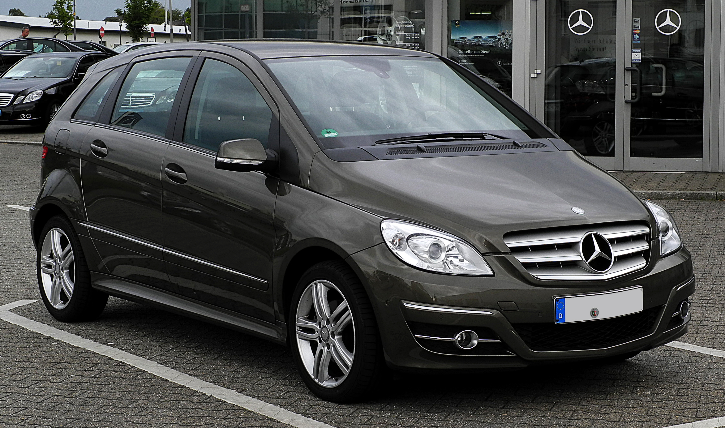 Mercedes benz b 180 cdi photos reviews news specs buy car for Buy my mercedes benz