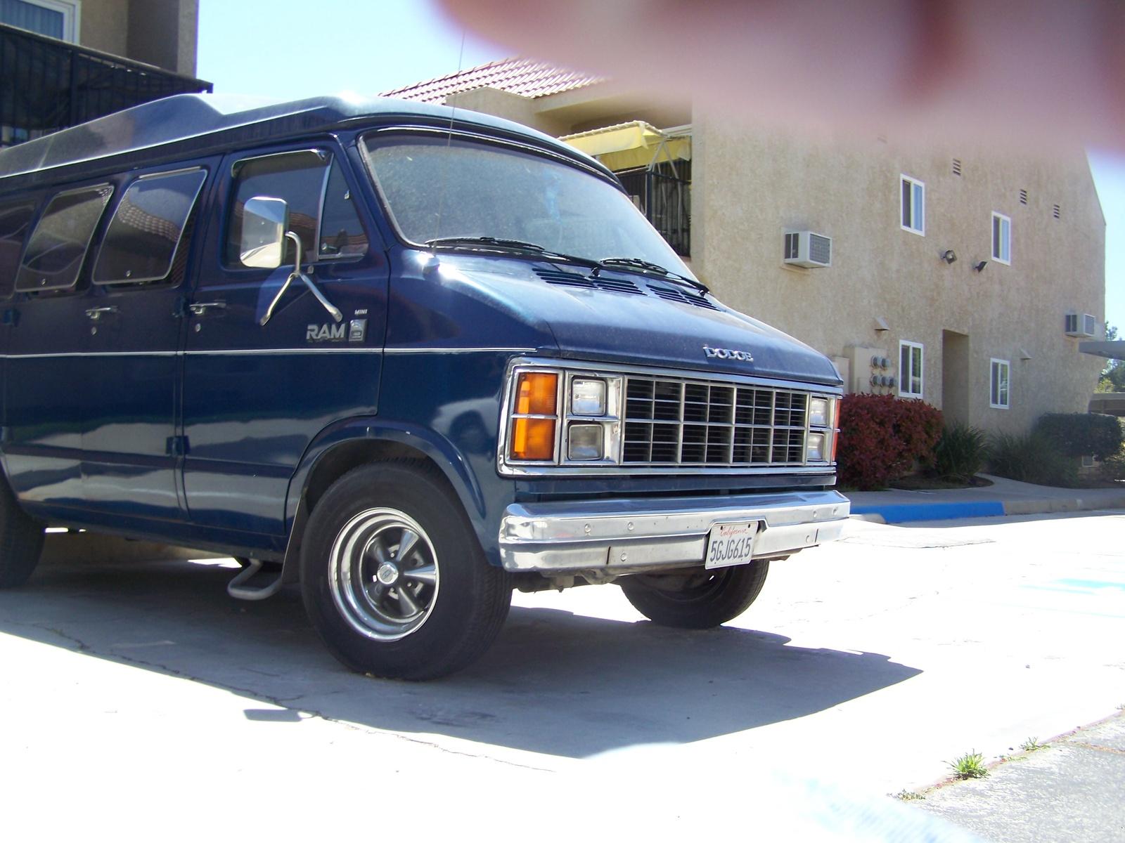 Dodge Ram Van 350 Picture 8 Reviews News Specs Buy Car