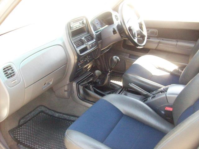 Nissan d21 24 crew cab 4x4 picture 8 reviews news specs buy car