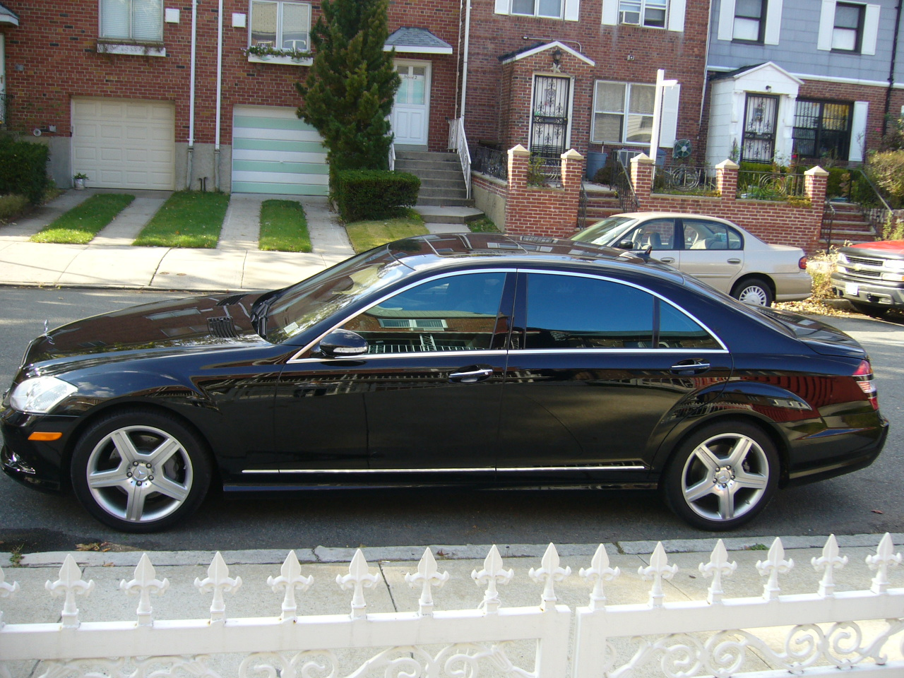 Mercedes benz s550 4matic photos reviews news specs for Mercedes benz s550 reviews