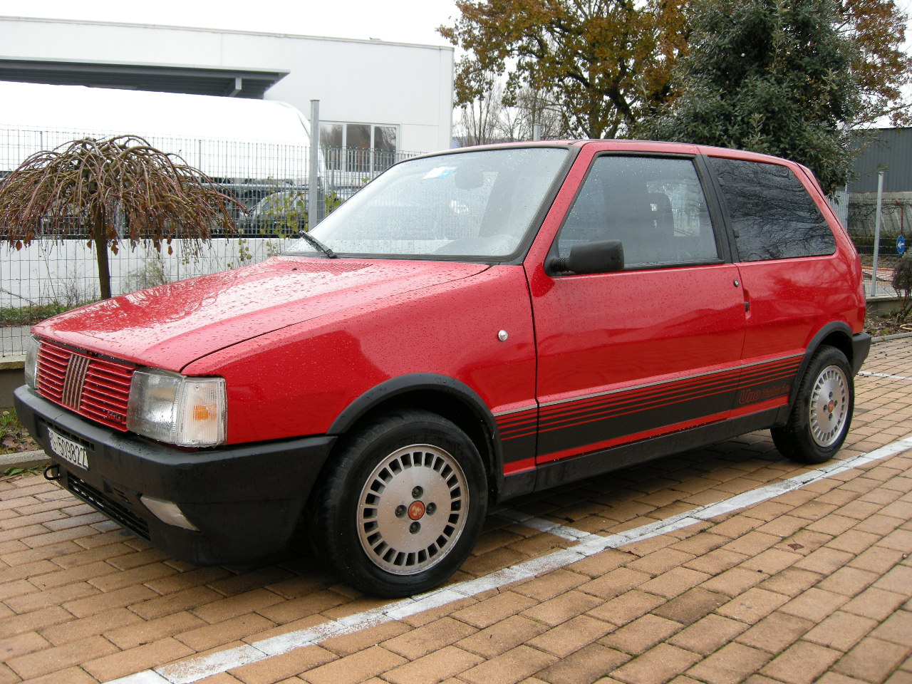 Fiat Uno Turbo Ie Photos Reviews News Specs Buy Car