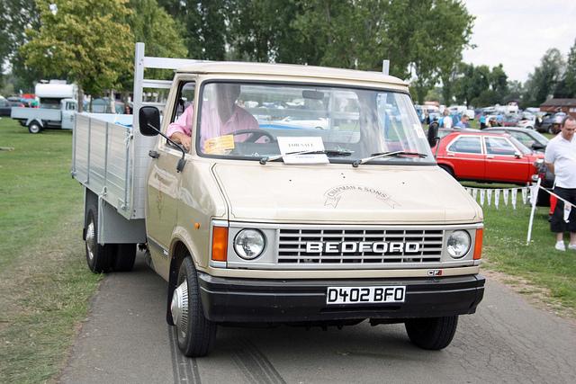 1987-bedford-cf-pick-up_ea9ab.jpg