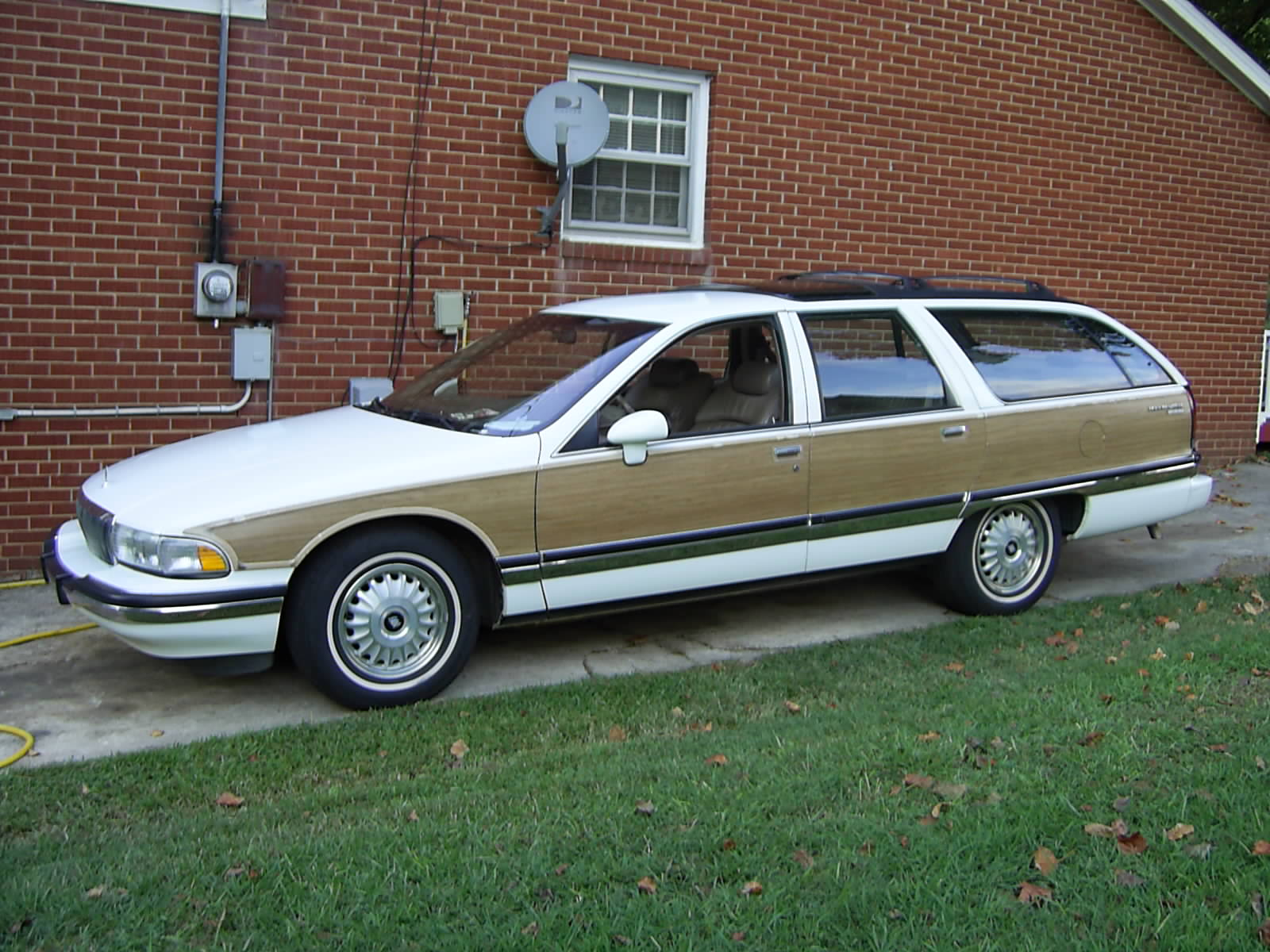 Buick Roadmaster Estate Wagon Picture 7 Reviews News