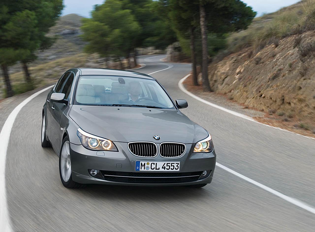 Bmw 520i Photos Reviews News Specs Buy Car