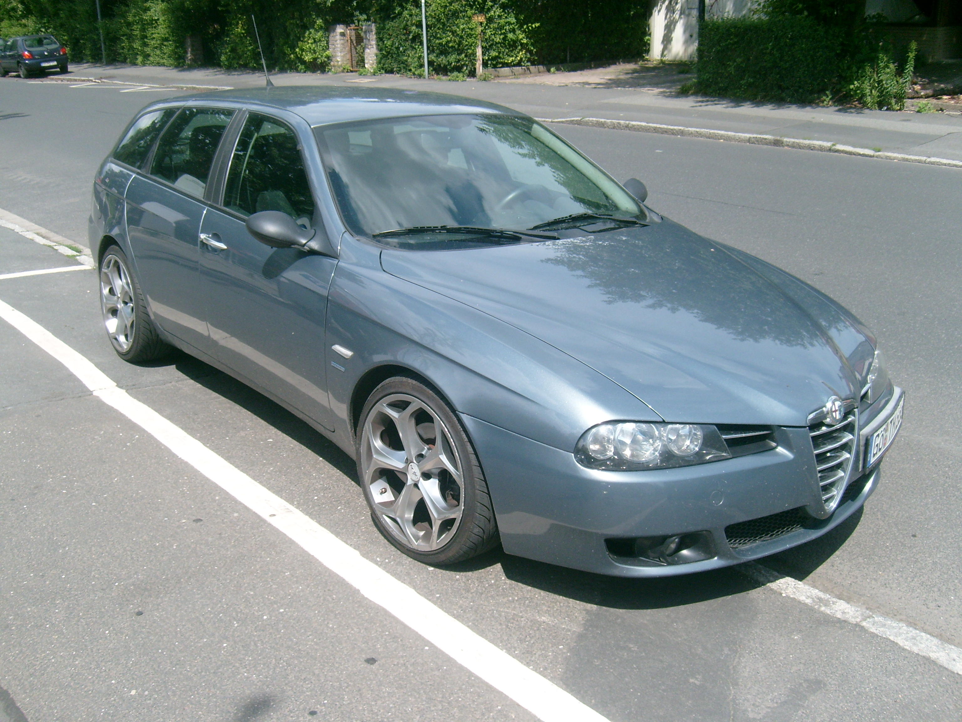 alfa romeo 156 ti sw photos reviews news specs buy car. Black Bedroom Furniture Sets. Home Design Ideas