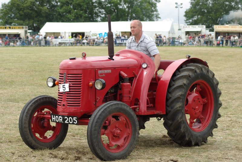 David Brown Cropmaster Picture 9 Reviews News Specs Buy Car