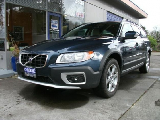 volvo xc70 cross country awd photos reviews news specs buy car. Black Bedroom Furniture Sets. Home Design Ideas