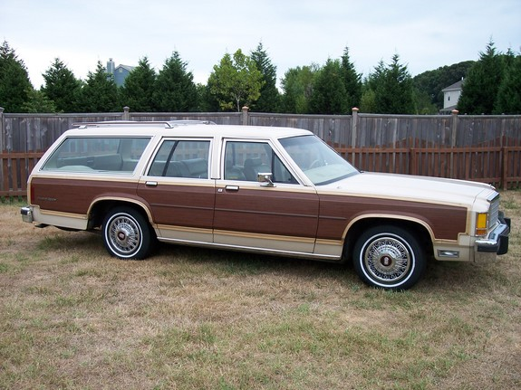 Ford LTD wagon