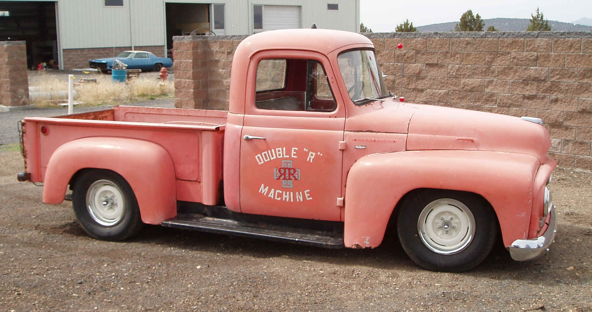 International Harvester R110 Pick-up:picture # 4 , reviews