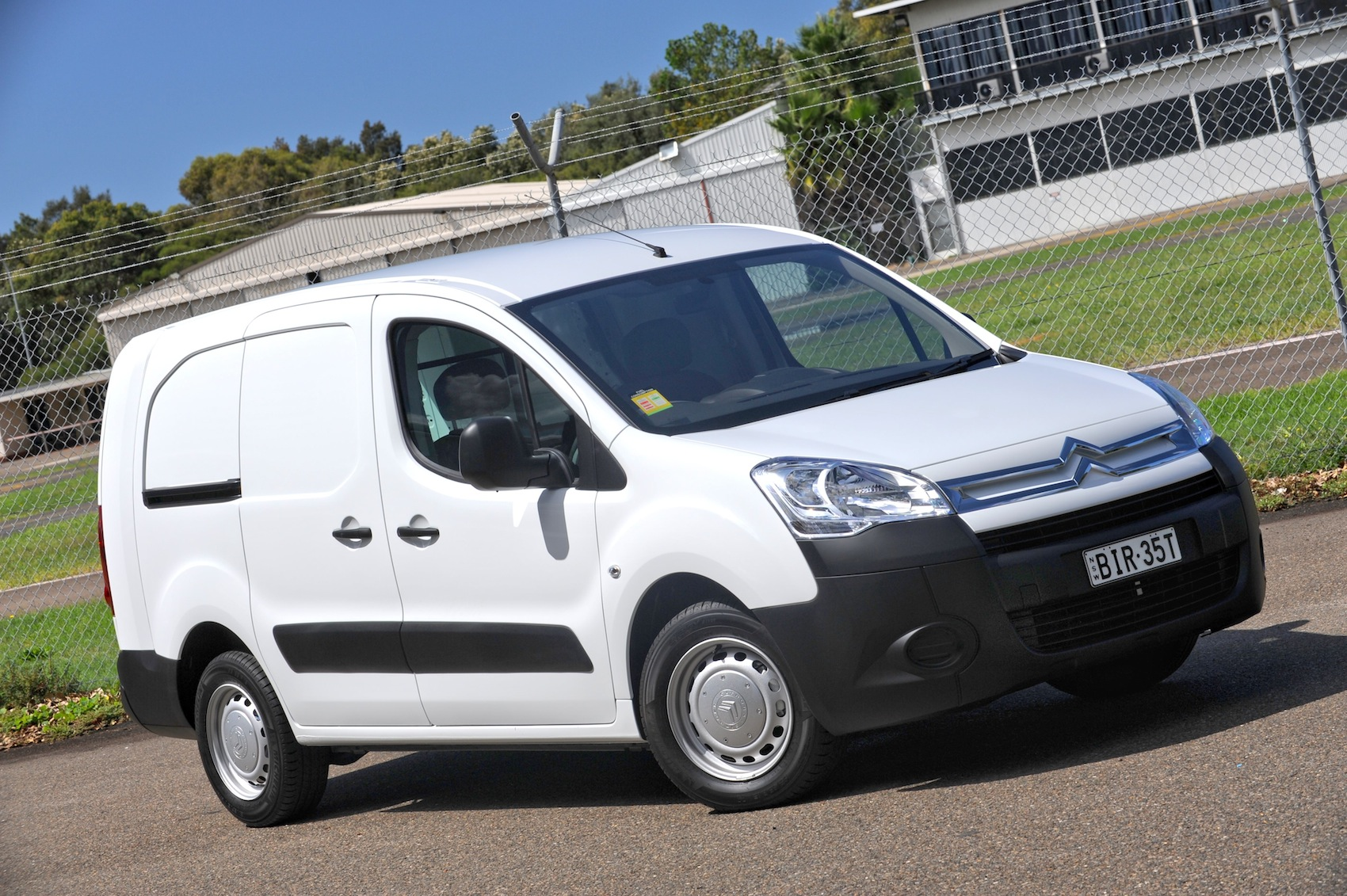 citroen berlingo picture 9 reviews news specs buy car. Black Bedroom Furniture Sets. Home Design Ideas