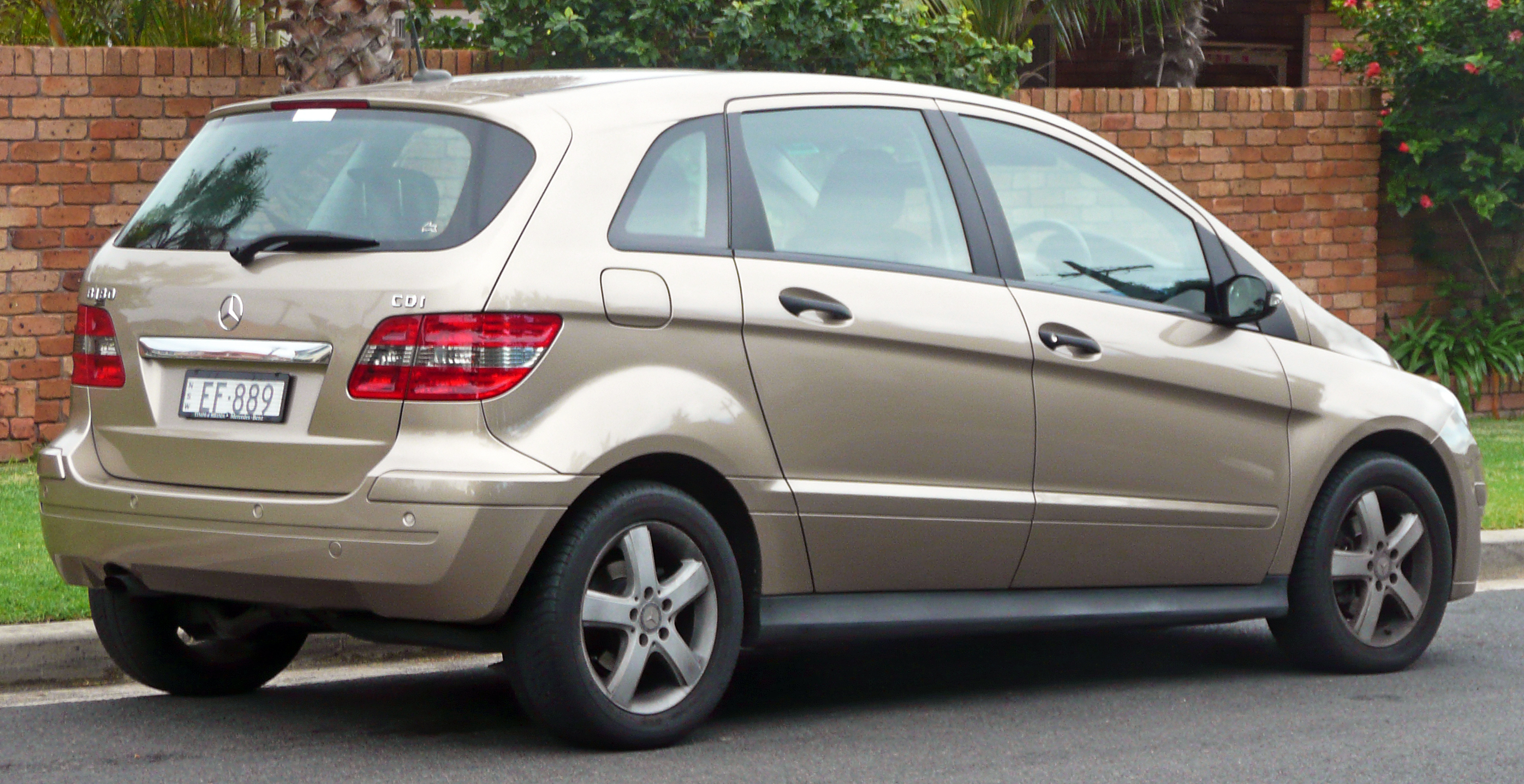 Mercedes benz b180 cdi photos reviews news specs buy car for Mercedes benz b class 180