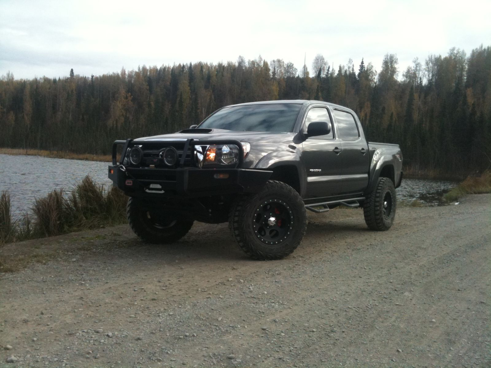 toyota tacoma trd off road photos reviews news specs buy car. Black Bedroom Furniture Sets. Home Design Ideas