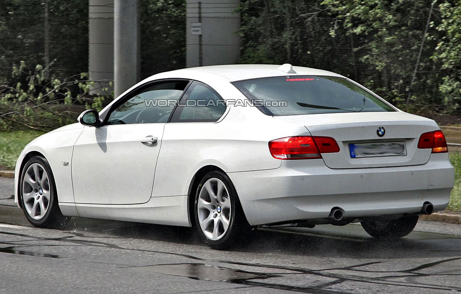 bmw 3 series coup e92 photos news reviews specs car listings. Black Bedroom Furniture Sets. Home Design Ideas
