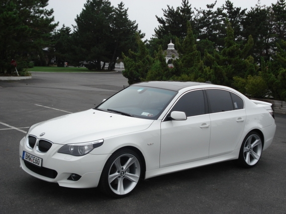 Bmw 530i Photos Reviews News Specs Buy Car