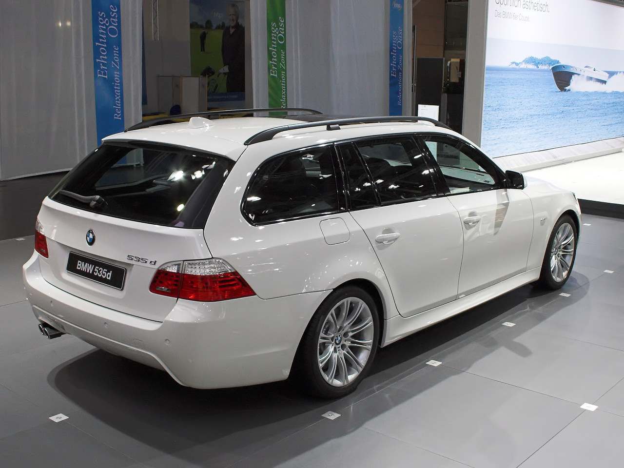 bmw 535d touring picture 2 reviews news specs buy car. Black Bedroom Furniture Sets. Home Design Ideas